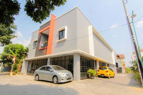 . JJ House Wahid Hasyim