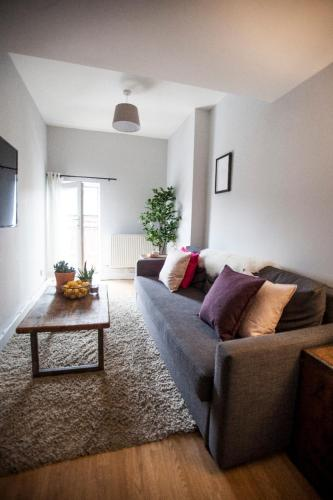Picture of Stylish Top Floor Apartment In Cool Area