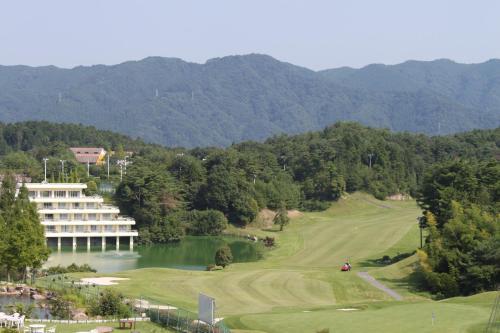 森林湖度假酒店 image