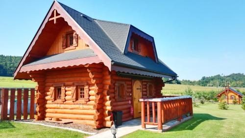 Ubytovanie Koliba Pacho - Zrub Evka - Hotel - Prievidza