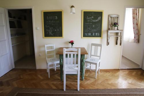 Park Apartman, Pension in Eger