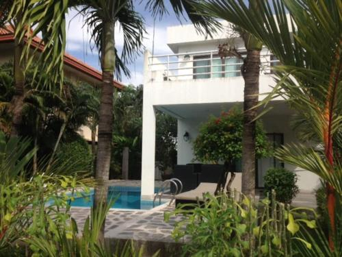 Mae Phim -Beachfront living in a villa with a private pool ! Mae Phim -Beachfront living in a villa with a private pool !