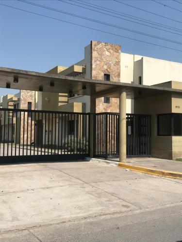 Duplex en Barrio Cerrado