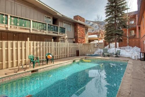 940 Waters Ave Condo Unit 101 - Apartment - Aspen