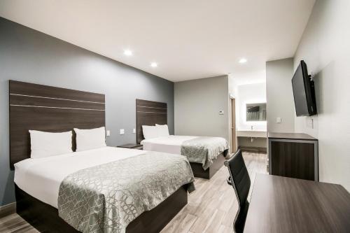 Americas Best Value Inn & Suites Northeast Houston I-610 - image 8
