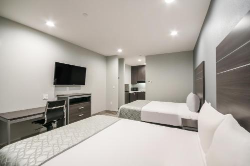 Americas Best Value Inn & Suites Northeast Houston I-610 - image 7