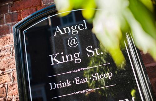 Angel @ KingSt - Photo 7 of 56