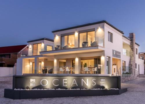 Oceans Guest House & Luxurious Apartments