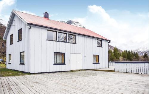 Stunning home in Svolvær w/ 3 Bedrooms, Vågan