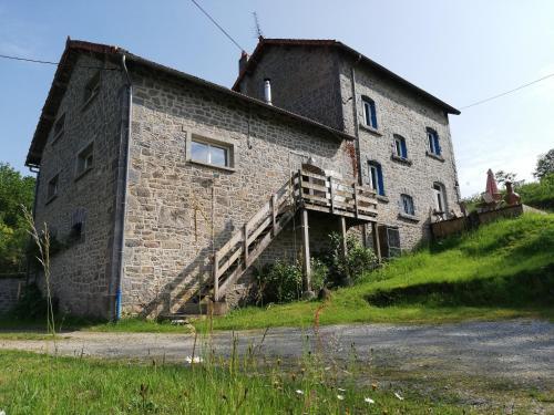 La Maison Bleue23 - Location saisonnière - Sardent
