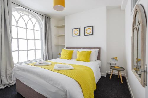 Perfect Pad In The Heart Of The City- Sleeps 8