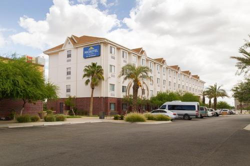 . Microtel Inn and Suites by Wyndham Juarez