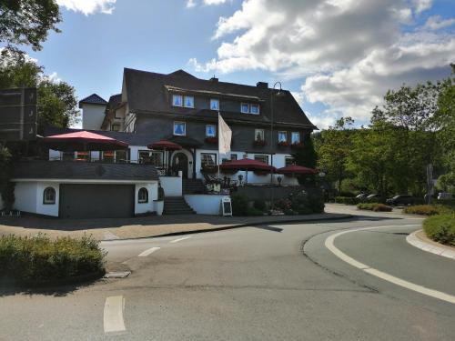 . Land-gut-Hotel Zur Brücke