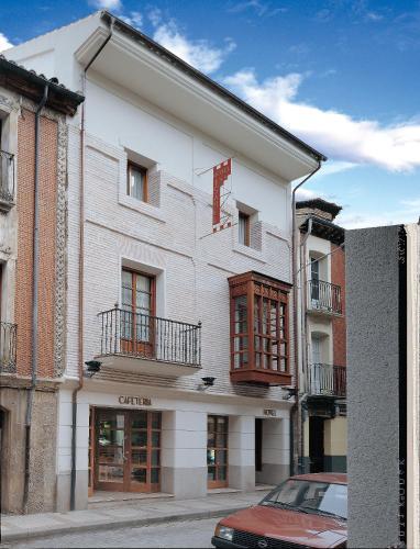 . Hotel Isabel