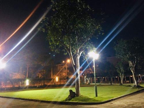 Khach San Đong Mo, Sơn Tây