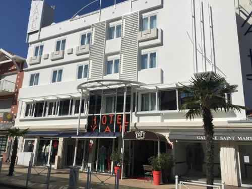 . Yatt Hotel