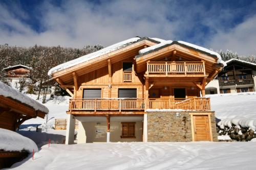 Chalet Timbers - Light and modern - sleeps 6 - Les Gets