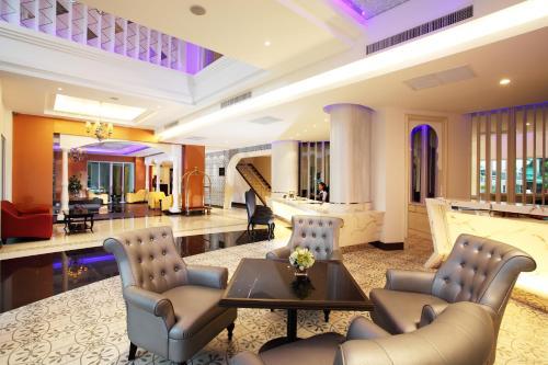 Chillax Resort photo 37