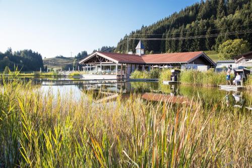 Haubers Naturresort Gutshof - Hotel - Oberstaufen