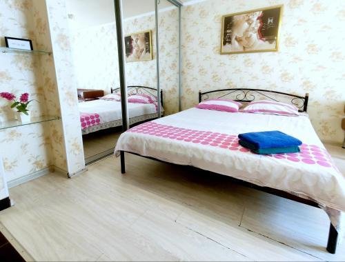 . Apartment on Hrynkevycha, 2