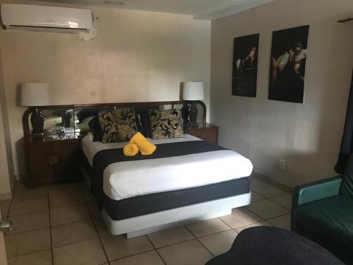 INN LEATHER GUEST HOUSE-GAY MALE ONLY - image 13