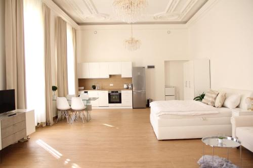 Luxury Design City centre Apartment