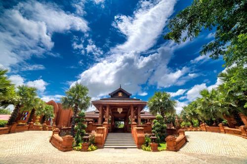 . Heritage Bagan Hotel