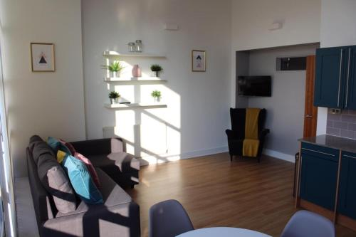 Picture of Luxury 2 Bed Duplex City Centre Apartment - Sleeps 6