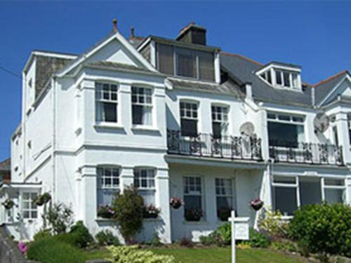 Symply Padstow (Bed and Breakfast)