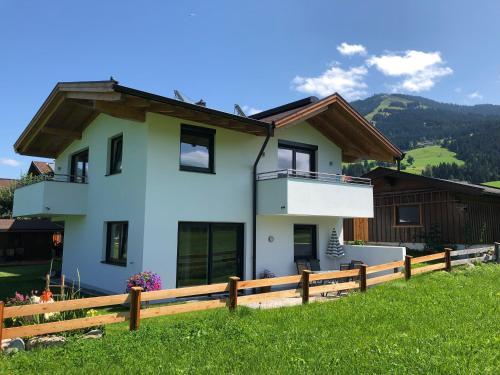 Haus Johanna - Accommodation - Westendorf