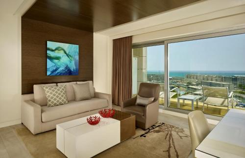 Family suite, Sea view, 1 King, Balcony