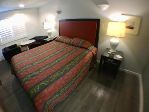 Valley Inn & Suites