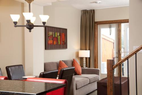 Fire Mountain Lodge - Canmore, AB T1W 2X2