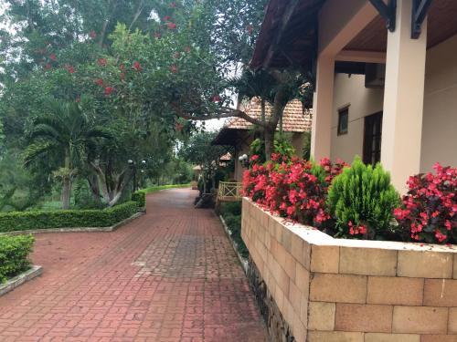 __{offers.Best_flights}__ 7S Hotel Thien Duong Xanh & Resort Pleiku