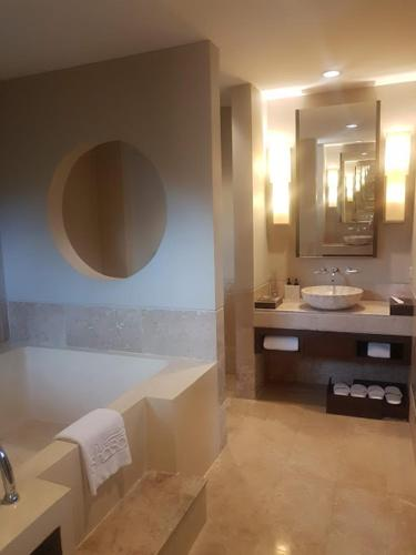 Shasa Residences 2 Bedrooms with Seaview Shasa Residences 2 Bedrooms with Seaview