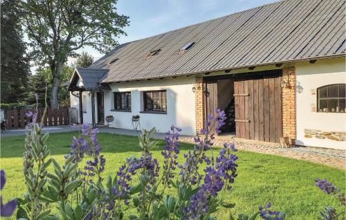 . Three-Bedroom Apartment in Przywidz