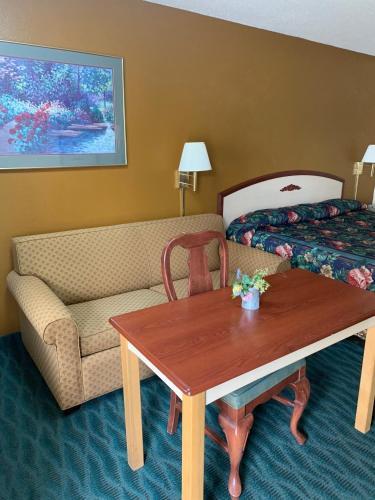Budget Inn And Suites   Talladega