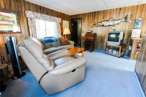 Scenic Bay Float Home Hideaway - Hotel - Athol
