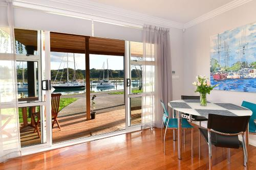 The Weiti Waterfront - Apartment - Whangaparaoa