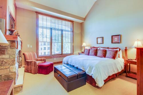 Northstar Gondola View Penthouse Studio - Apartment - Kingswood Estates