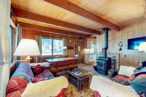 Rustic Coziness - Homewood