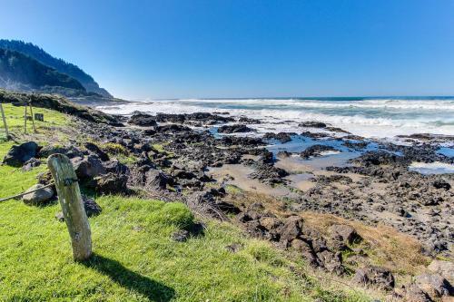 . Sea Rock Retreat