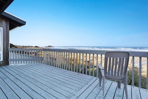 Spindrift Oceanfront Home - The Starboard
