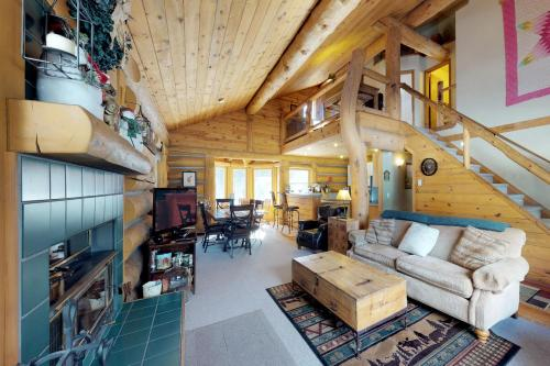 . Pinedale Cabin