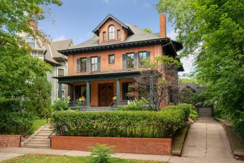 Historic District BnB of Saint Paul- Large Spacious- Centrally Located