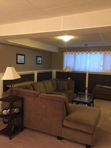 Newly Renovated Basement Suite! - Lethbridge, AB T1K 4T9
