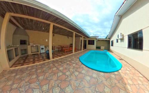 Casa inteira c/ piscina e ar condicionado (Photo from Booking.com)