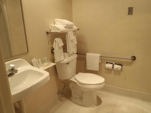 Photo - Comfort Inn & Suites Dayville