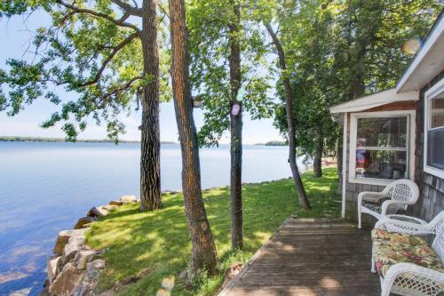 . The Shoreline Cottage