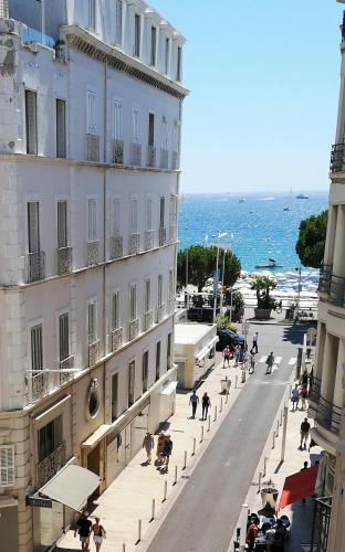Azurene Royal Hotel - Hôtel - Cannes